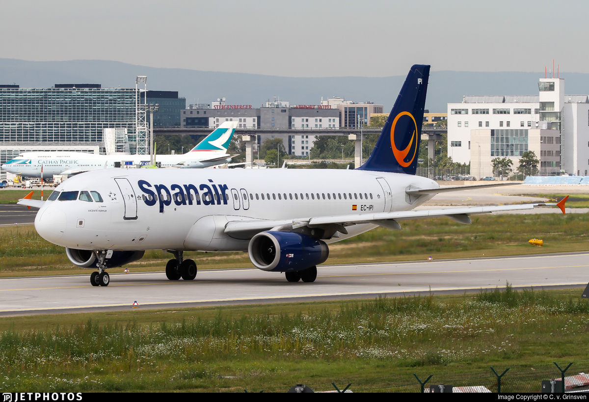 EC-IPI - Airbus A320-232 - Spanair