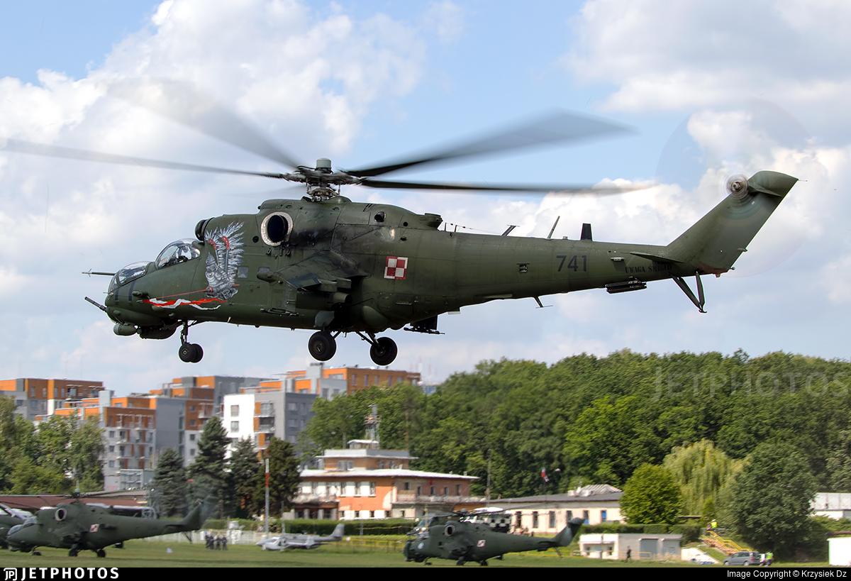 741 - Mil Mi-24V Hind E - Poland - Army