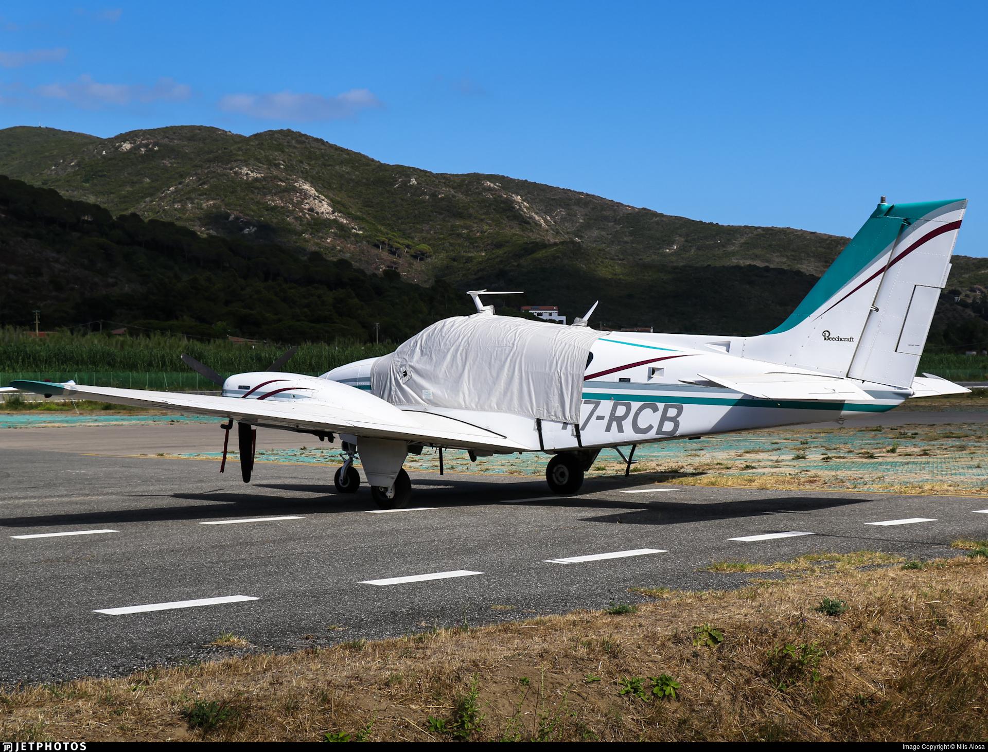 T7-RCB - Beechcraft 95-B55 Baron - Private