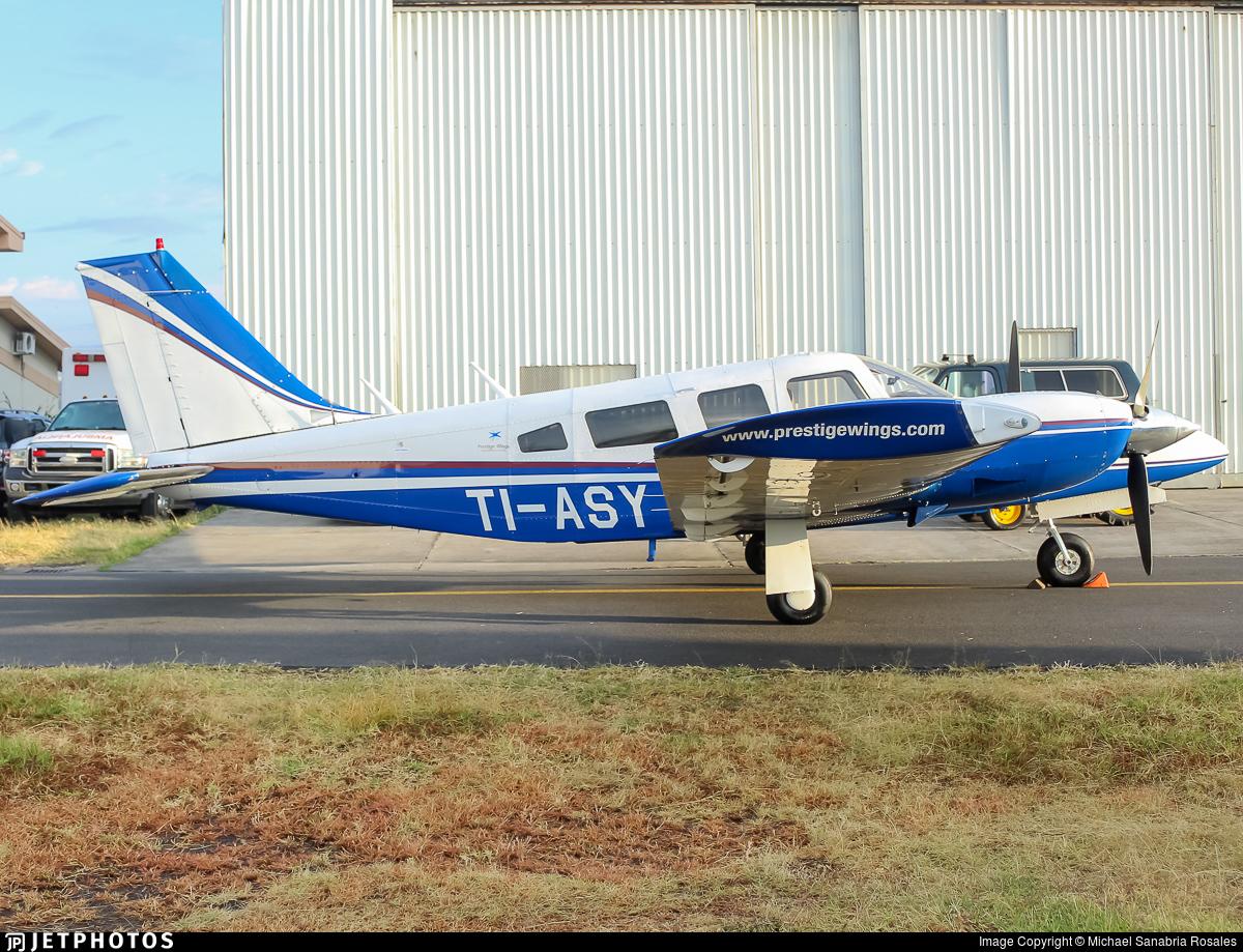 TI-ASY - Piper PA-34-200T Seneca II - Prestige Wings