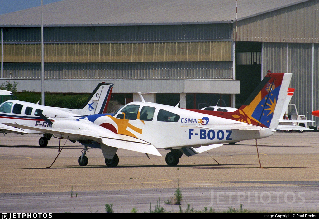 F-BOOZ - Beechcraft 95-C55 Baron - ESMA