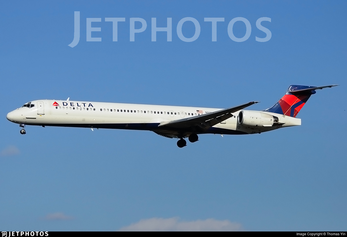 N915DN | McDonnell Douglas MD-90-30 | Delta Air Lines ...