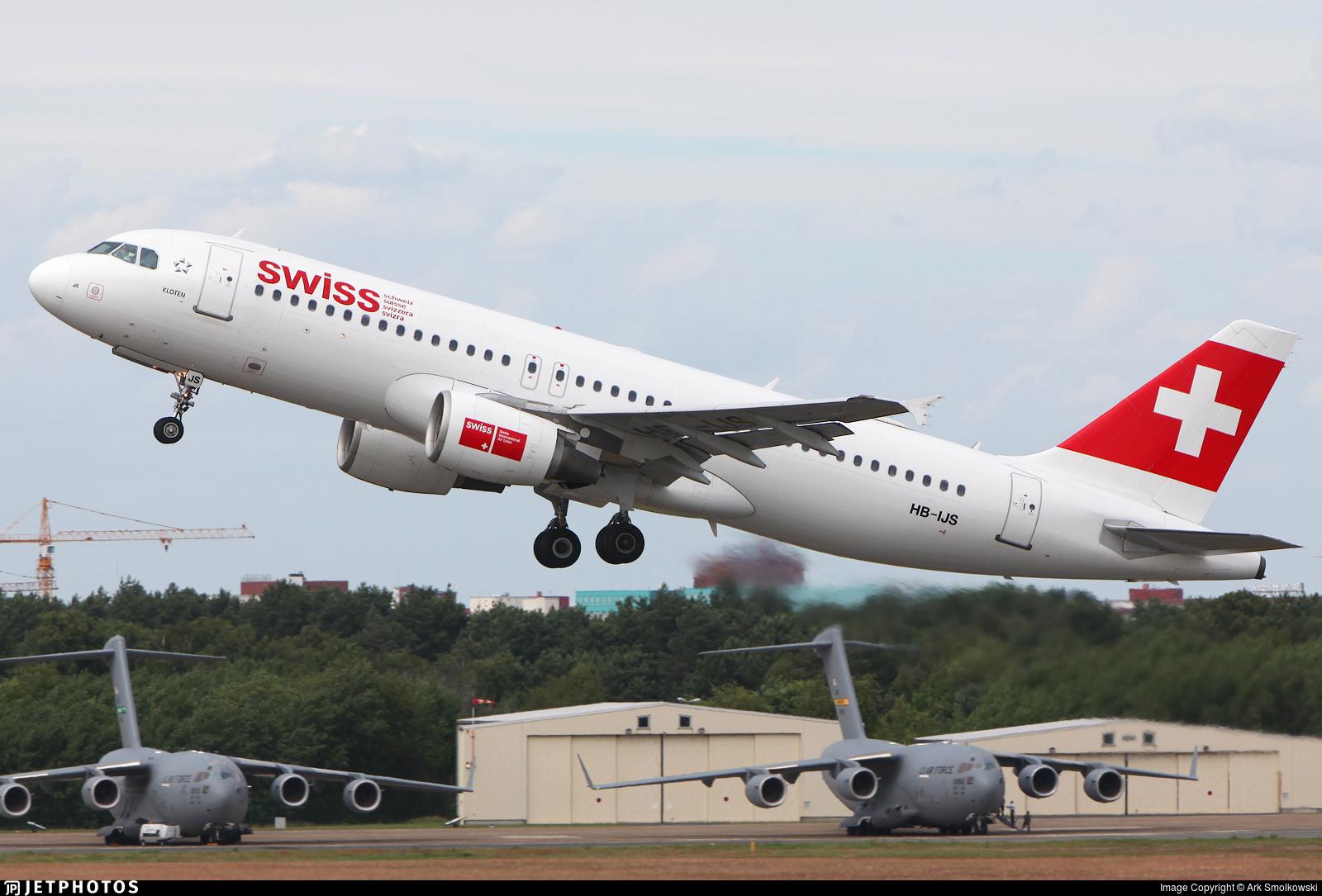 HB-IJS - Airbus A320-214 - Swiss