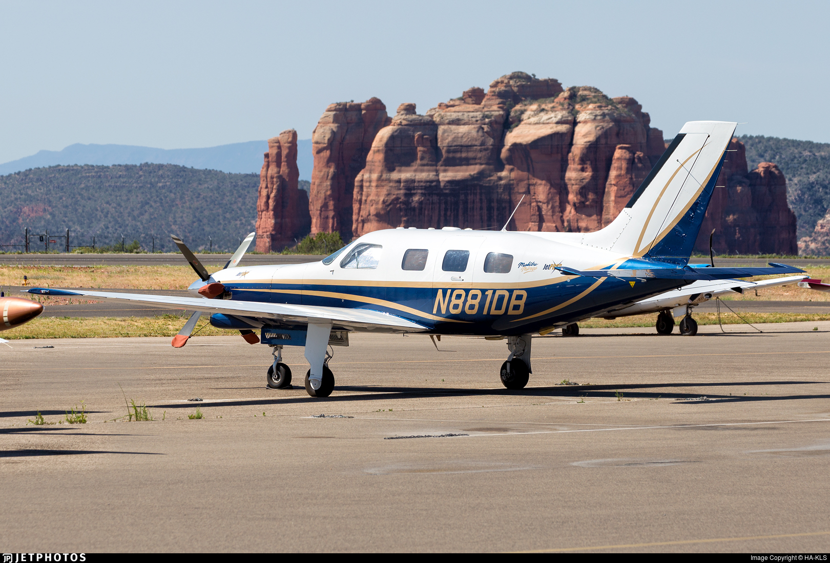 N881DB - Piper PA-46-350P Malibu Mirage - Private