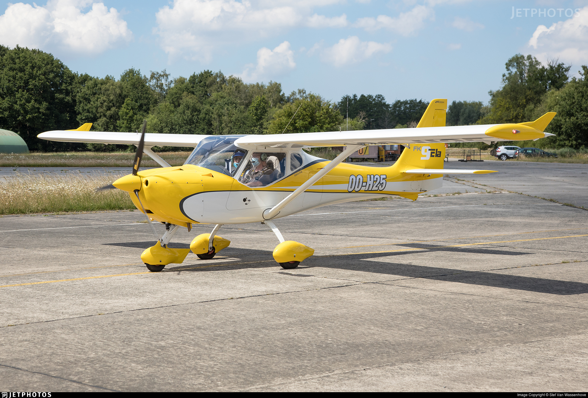 OO-H25 - B & F Technik FK-9 ELA - Private