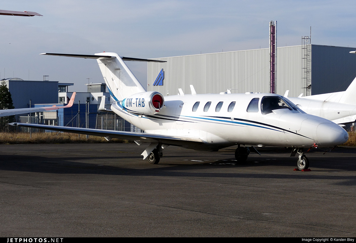 OM-TAB - Cessna 525 Citationjet CJ1 - Private
