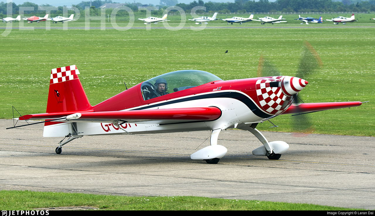 G-GOFF - Extra 300LC - Private