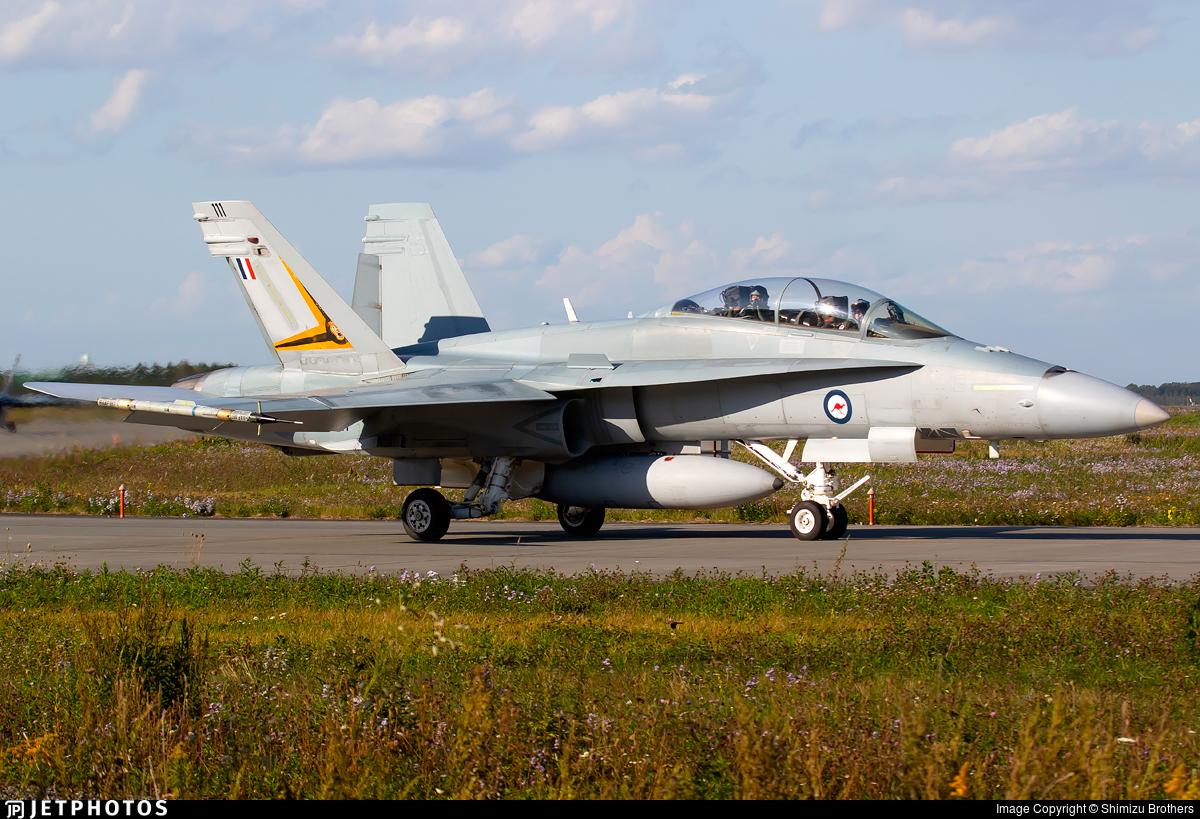 A21-111 - McDonnell Douglas F/A-18B Hornet - Australia - Royal Australian Air Force (RAAF)
