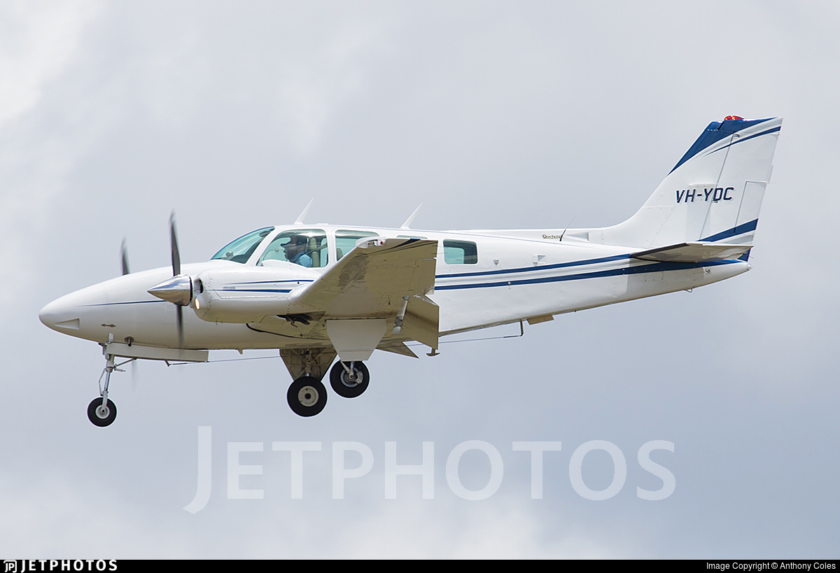 VH-YDC - Beechcraft 58 Baron - Private