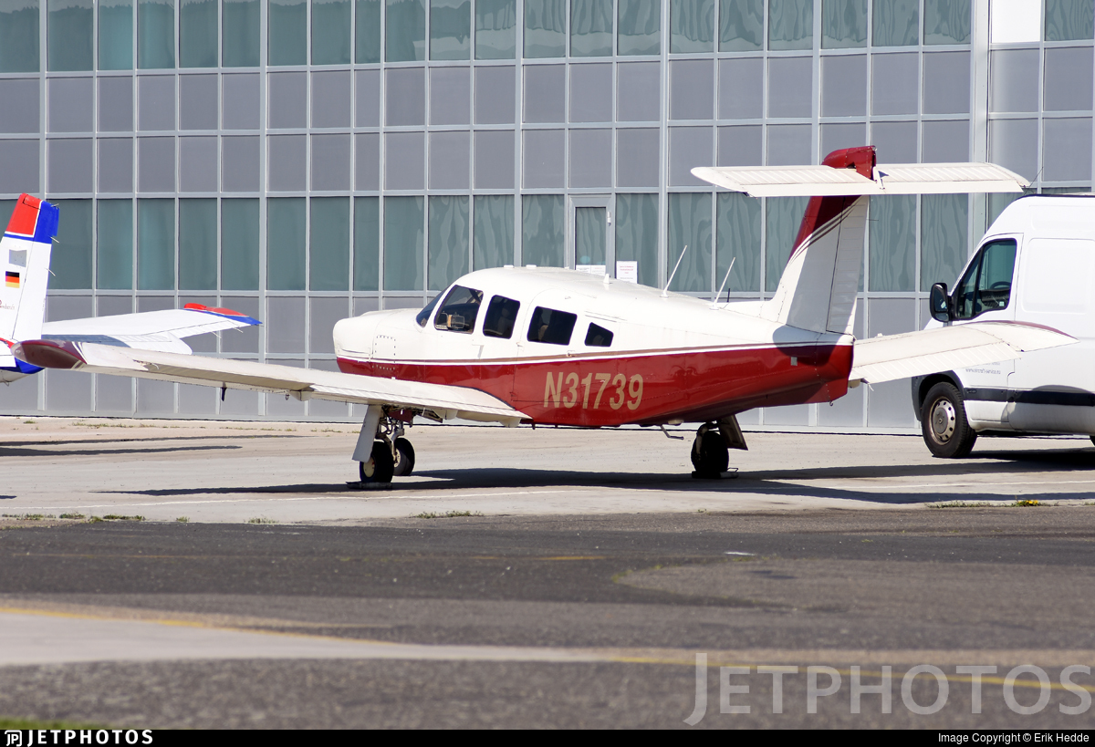 N31739 - Piper PA-32RT-300 Lance II - Private