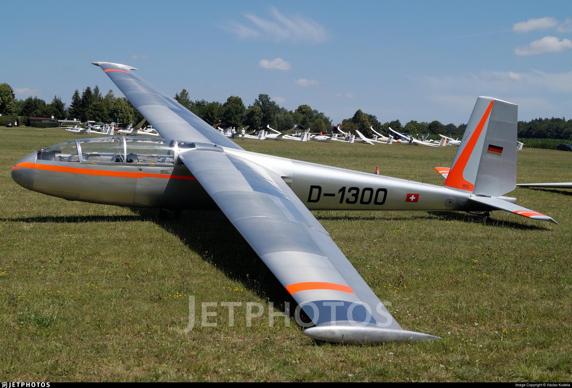 D-1300 - Let L-13 Blanik - Private