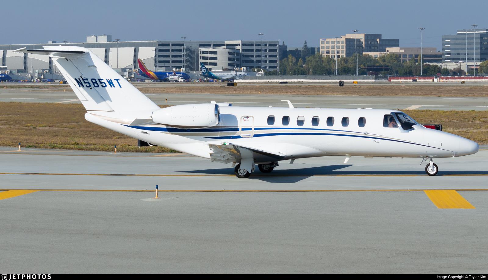 N585WT - Cessna 525B CitationJet 3 - Private