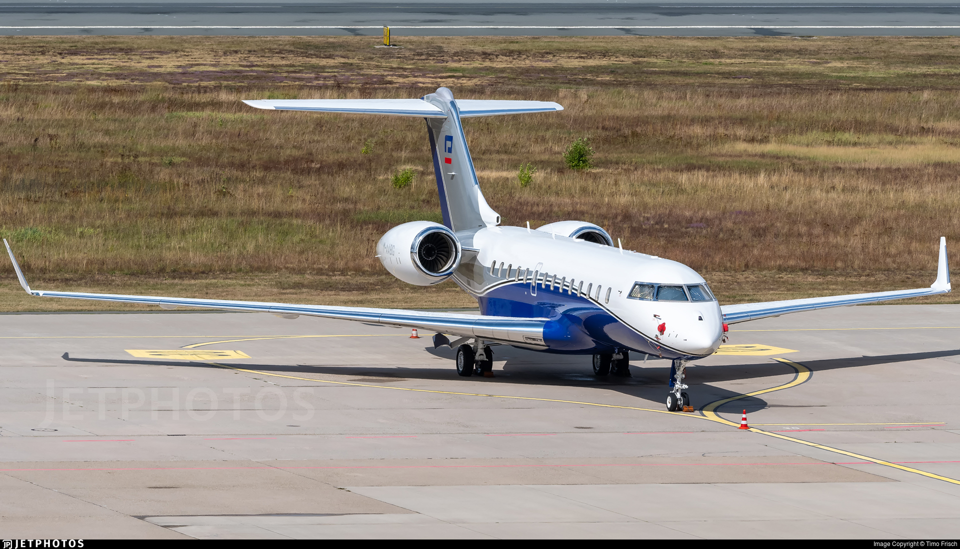 M-AABG - Bombardier BD-700-1A11 Global 5000 - ExecuJet Middle East