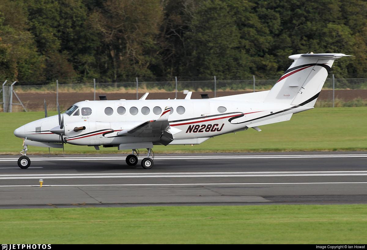 N828CJ - Beechcraft B300 King Air 350 - Private
