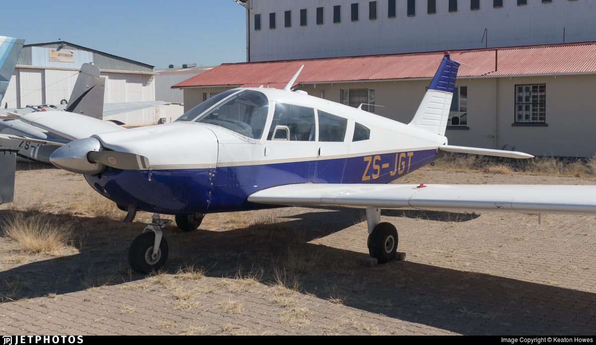 ZS-JGT - Piper PA-28-235 Cherokee C - Private