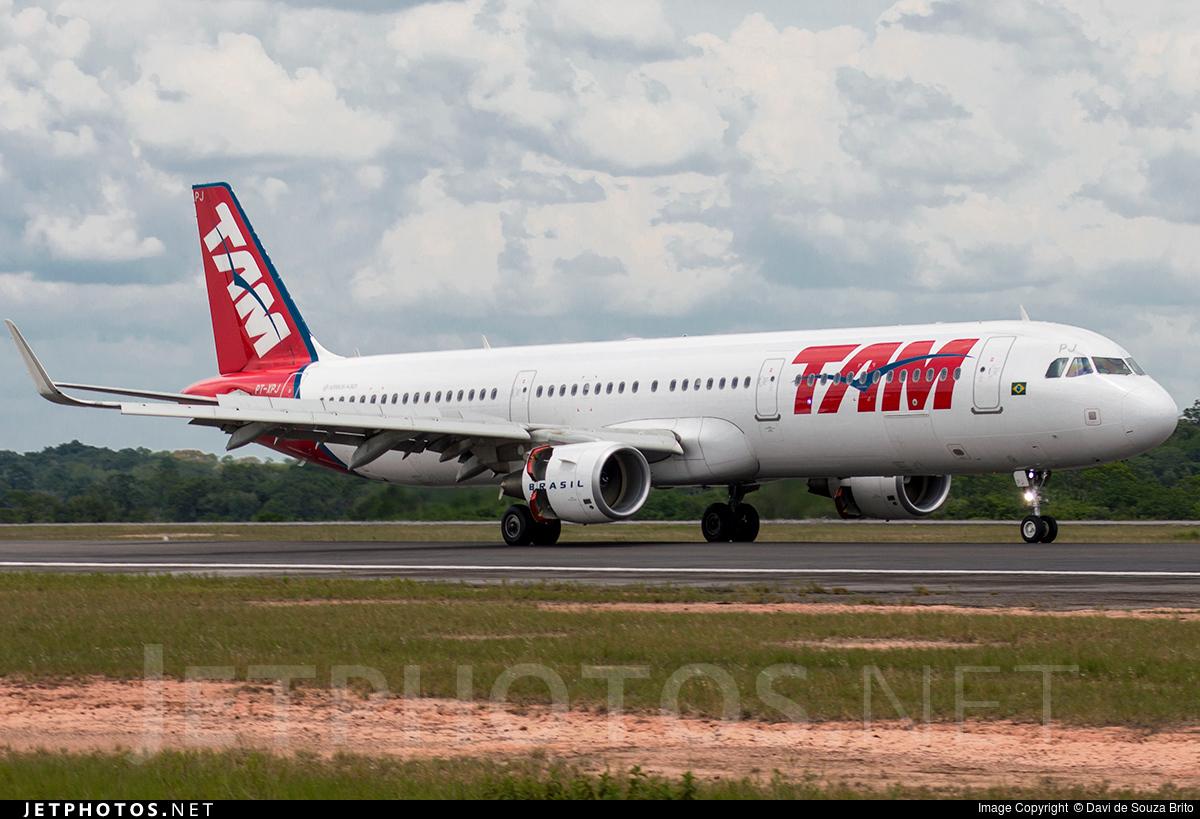 PT-XPJ - Airbus A321-211 - TAM Linhas Aéreas