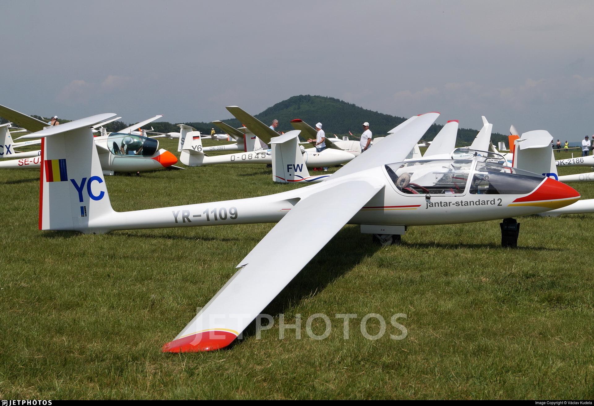 YR-1109 - SZD 48 Jantar Standard 2 - Romanian Airclub