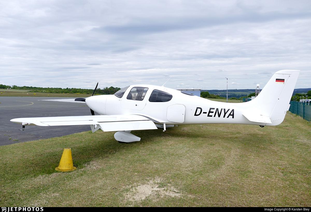 D-ENYA - Cirrus SR20-G2 - FFG - Flugförderungsgemeinschaft