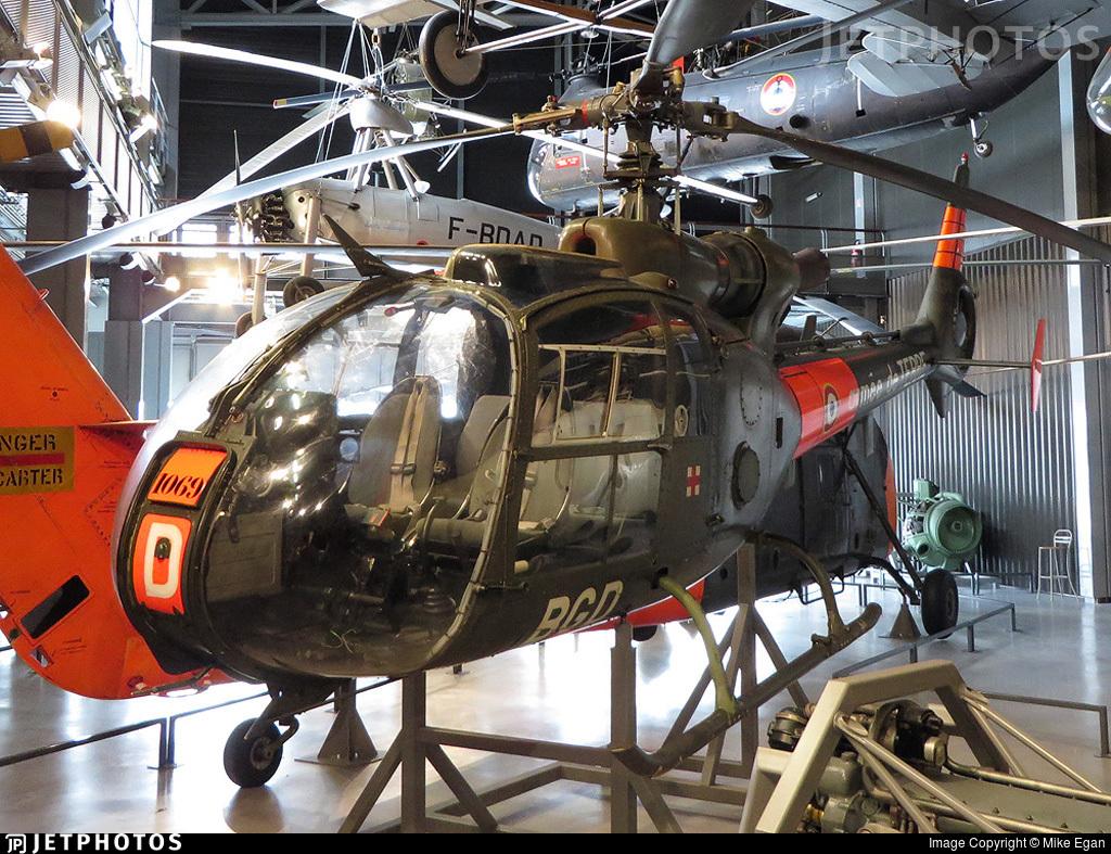 1069 - Aérospatiale SA 341F Gazelle - France - Army