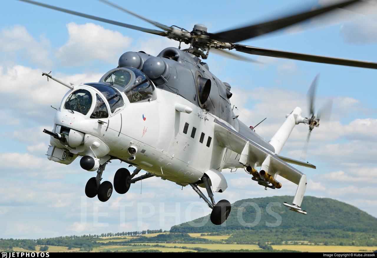 3370 - Mil Mi-24V Hind E - Czech Republic - Air Force