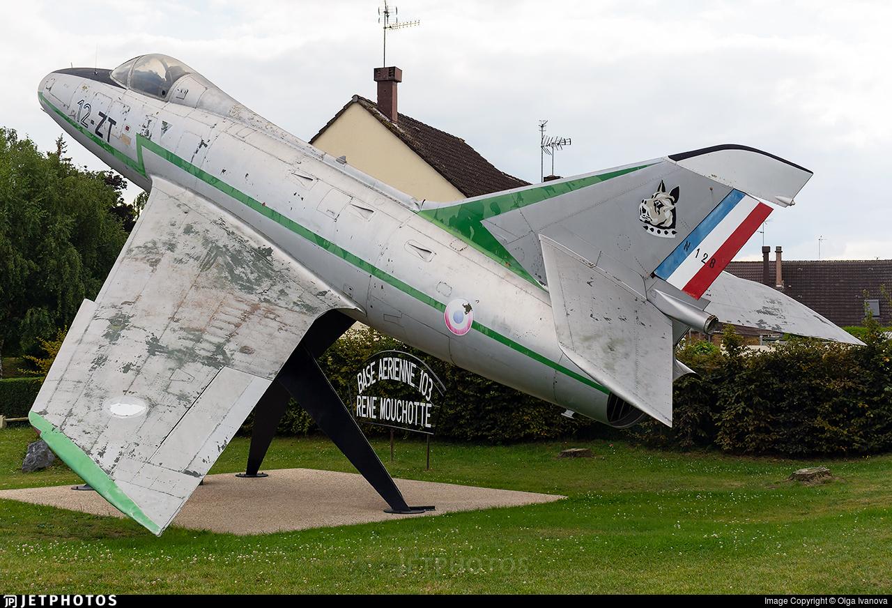 128 - Dassault Super Mystère SMB2 - France - Air Force