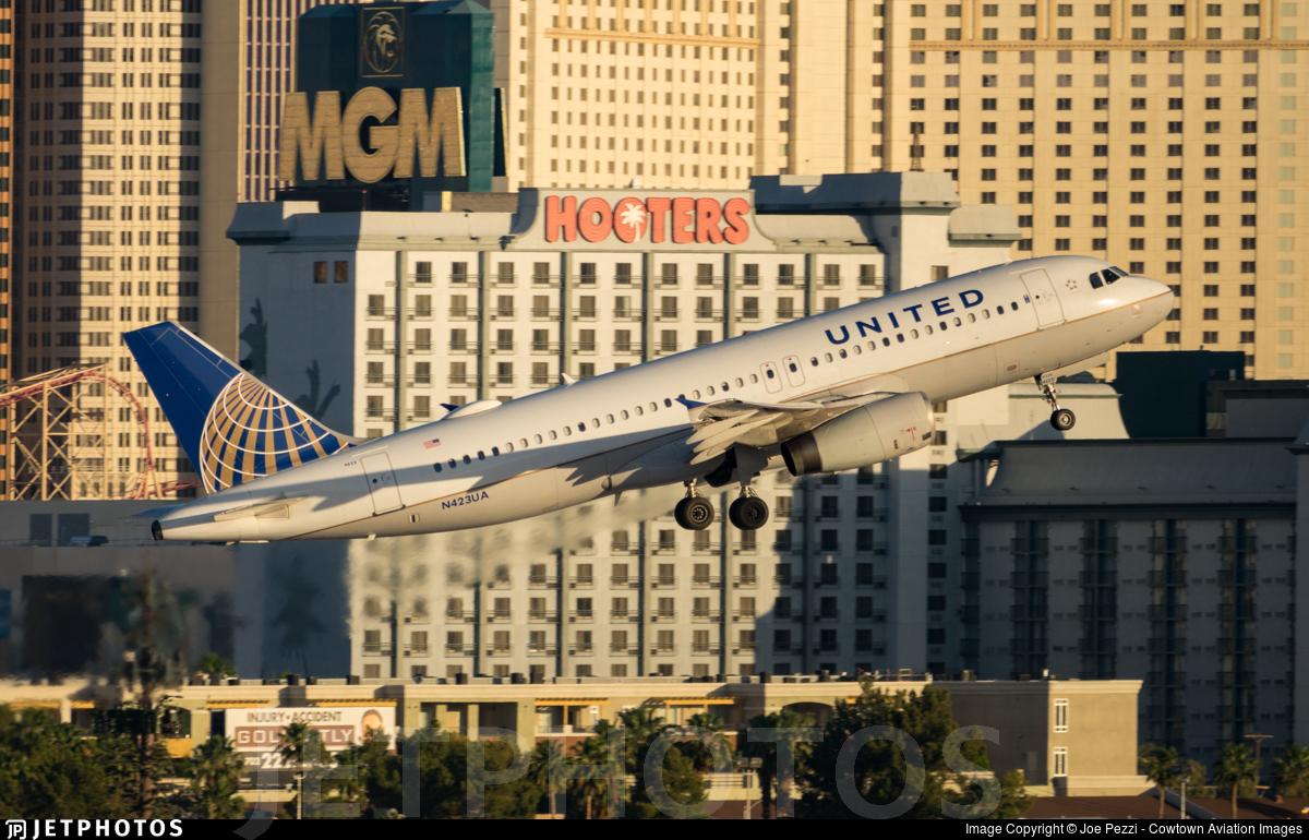 N423UA - Airbus A320-232 - United Airlines
