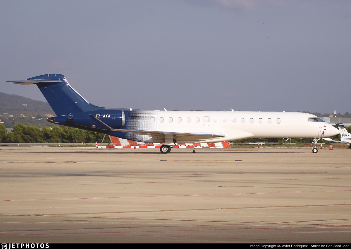 T7-AYA - Bombardier BD-700-2A12 Global 7500  - Private