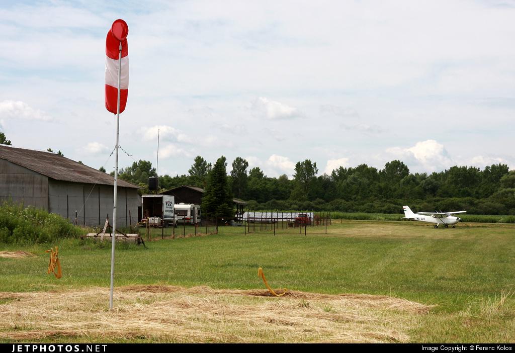 LHZK - Airport - Ramp