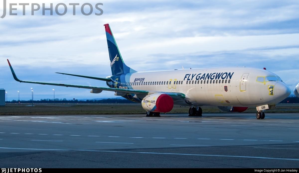 EI-GBB - Boeing 737-86N - Fly Gangwon
