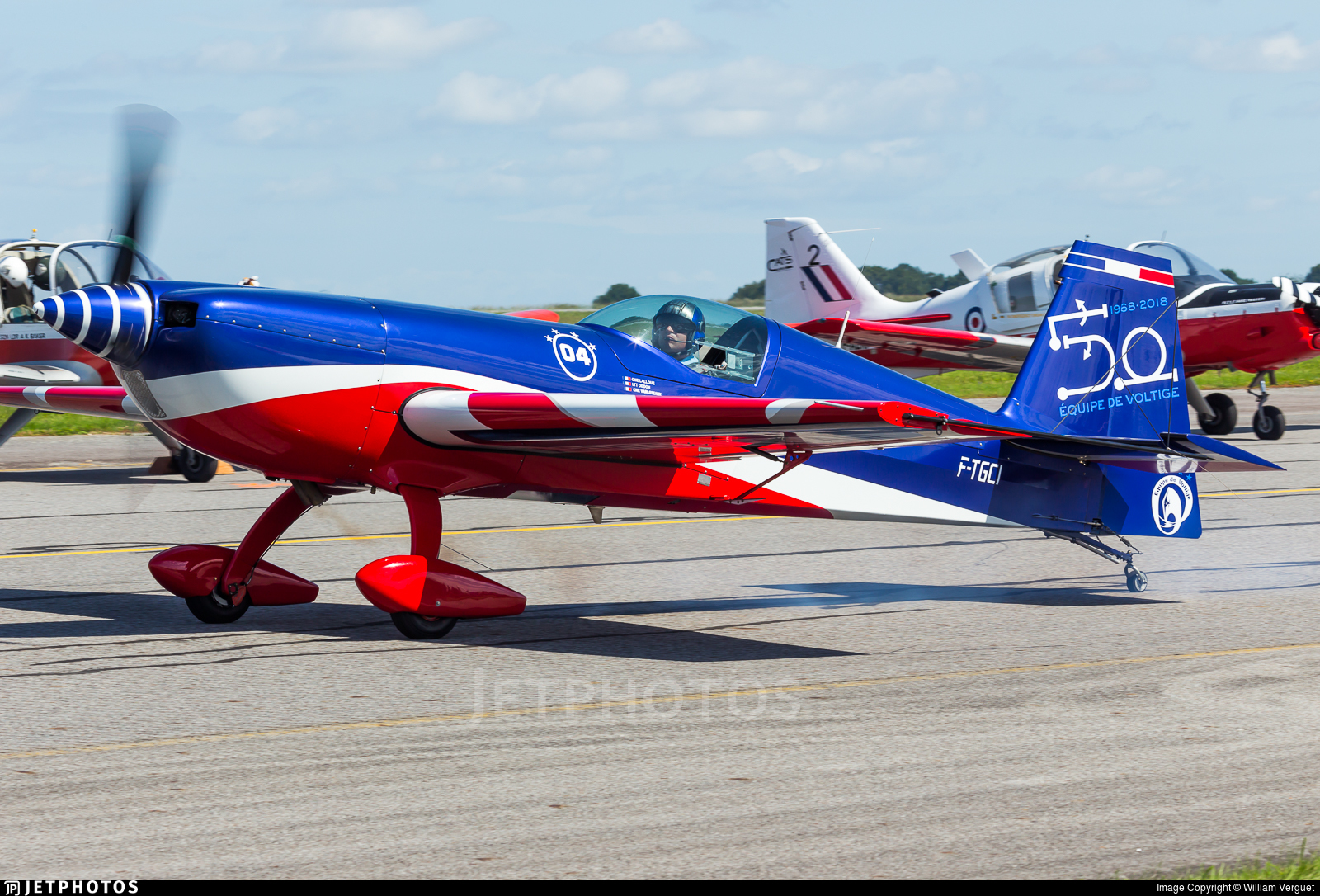04 - Extra 330SC - France - Air Force