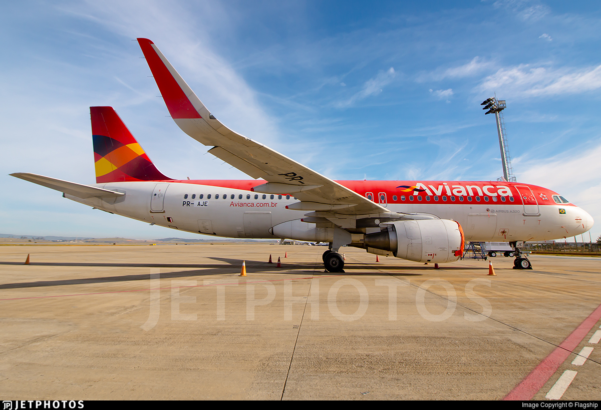 PR-AJE - Airbus A320-214 - Avianca Brasil