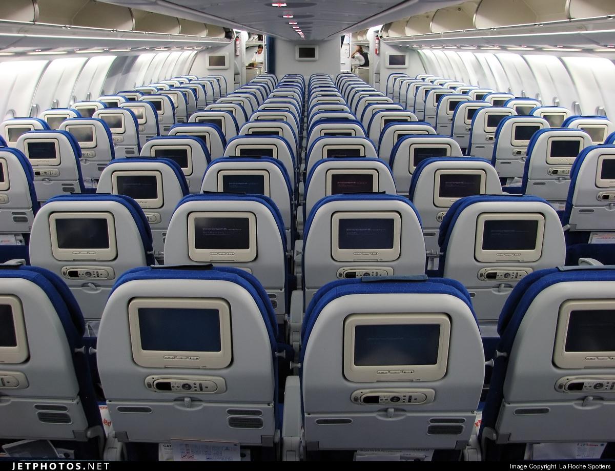 Air europa interior best accessories home 2017 for Interior 787 avianca