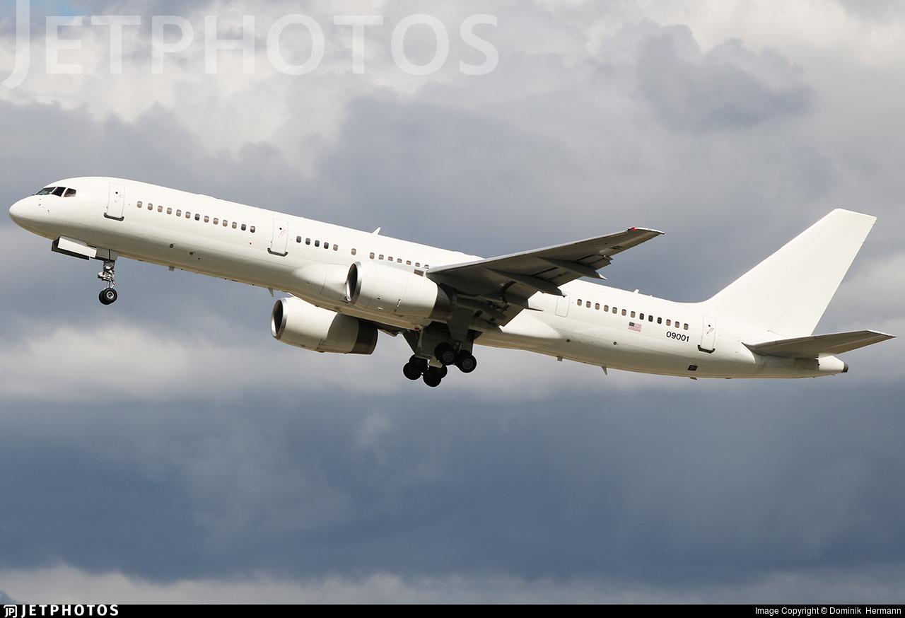 00-9001 - Boeing C-32B - United States - US Air Force (USAF)