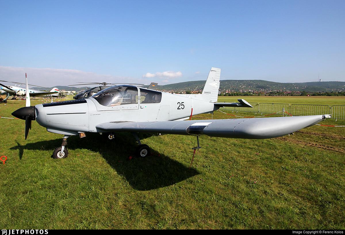 25 - Zlin 143LSi - Hungary - Air Force