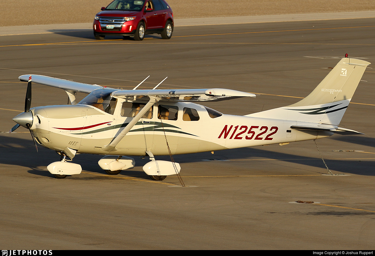 N12522 - Cessna T206H Stationair TC - Private