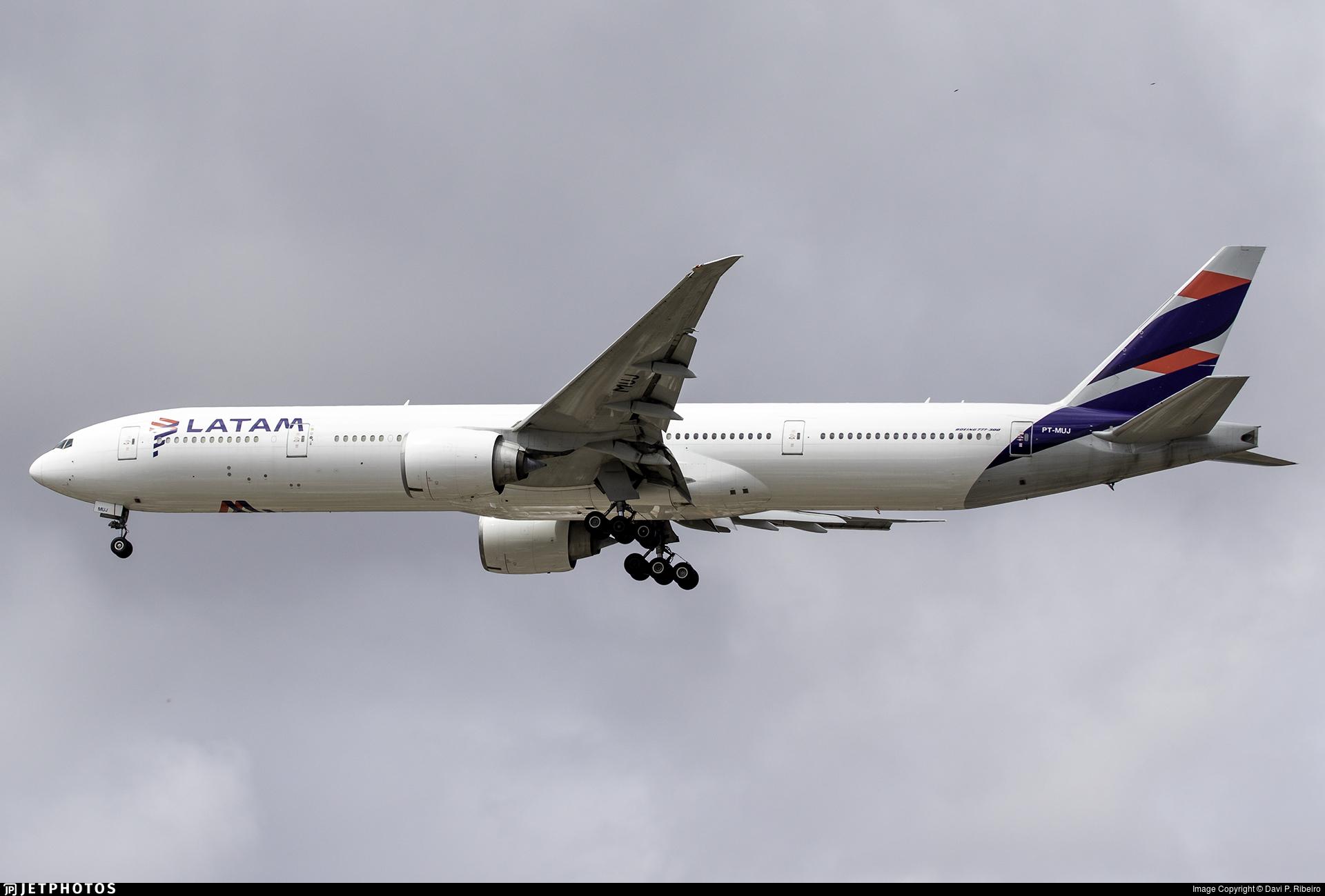 PT-MUJ - Boeing 777-32WER - LATAM Airlines