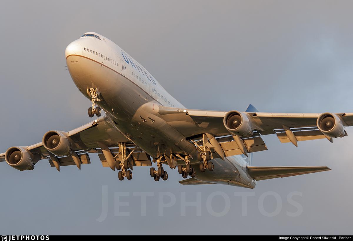 N117UA - Boeing 747-422 - United Airlines