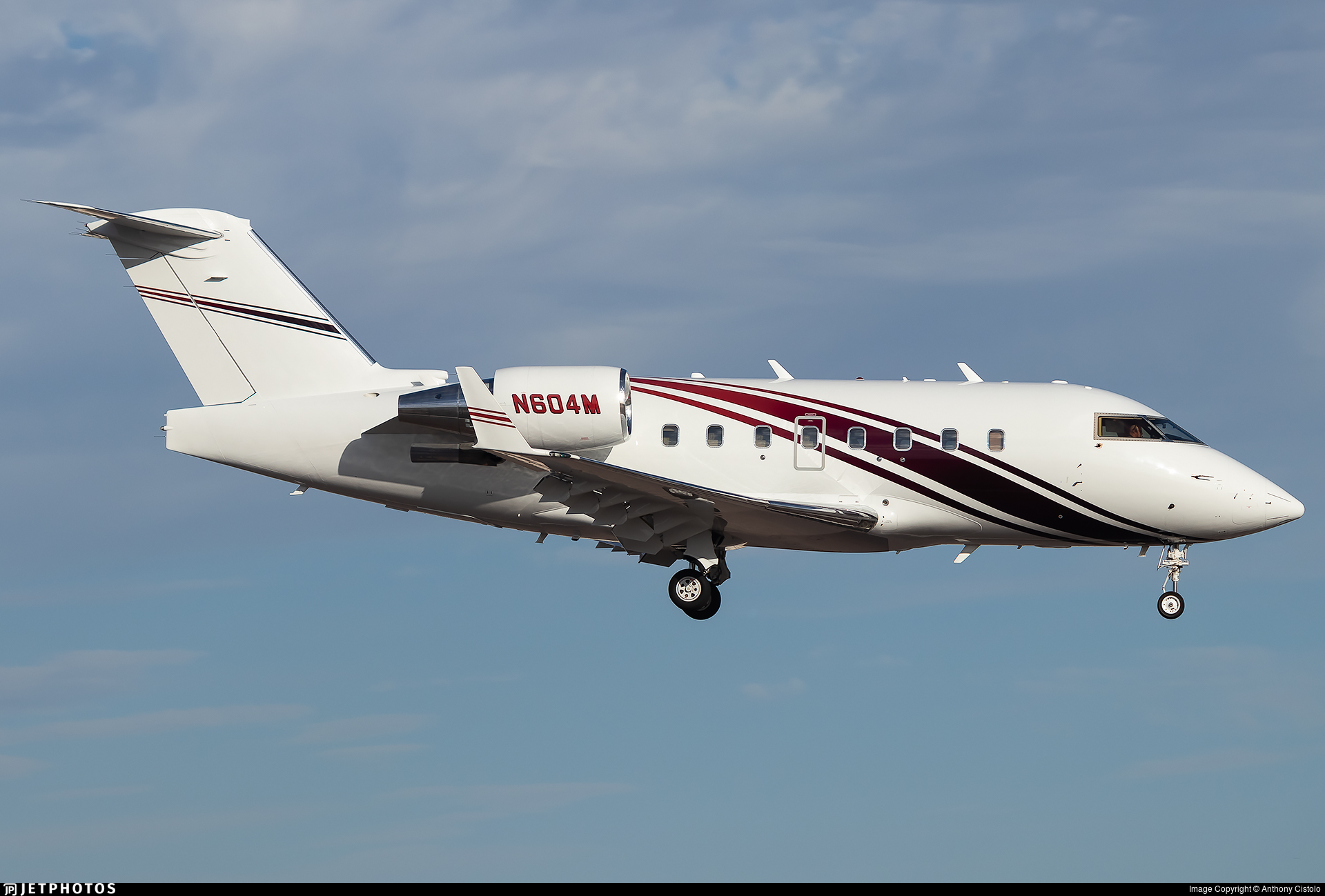 N604M - Bombardier CL-600-2B16 Challenger 604 - Private