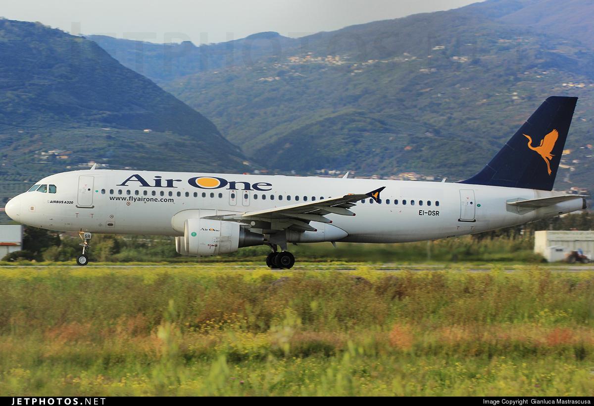 EI-DSR - Airbus A320-216 - Air One