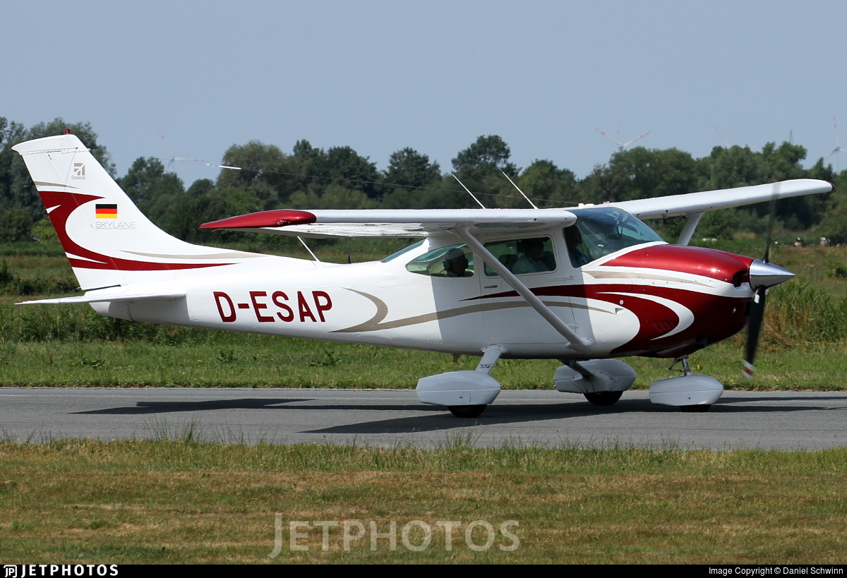 D-ESAP - Cessna 182Q Skylane - Private