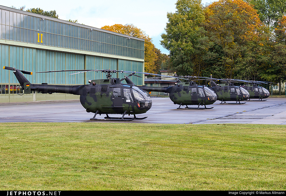 87-87 - MBB Bo105P1 - Germany - Army