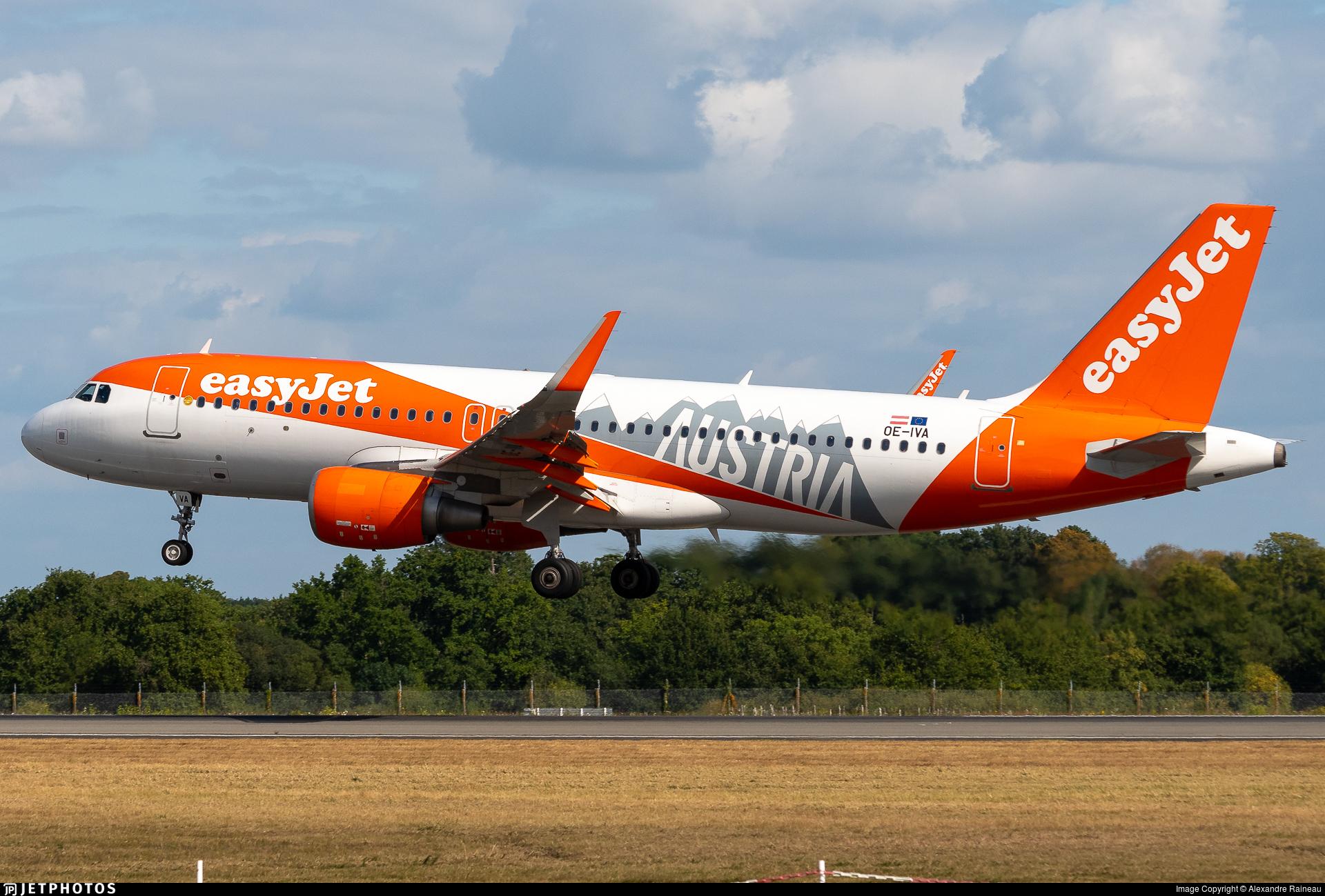 OE-IVA - Airbus A320-214 - easyJet Europe