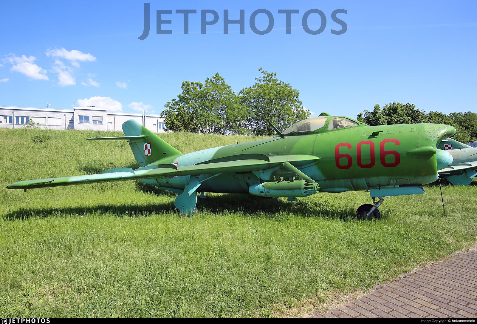 606 - WSK-Mielec Lim-6M - Poland - Navy