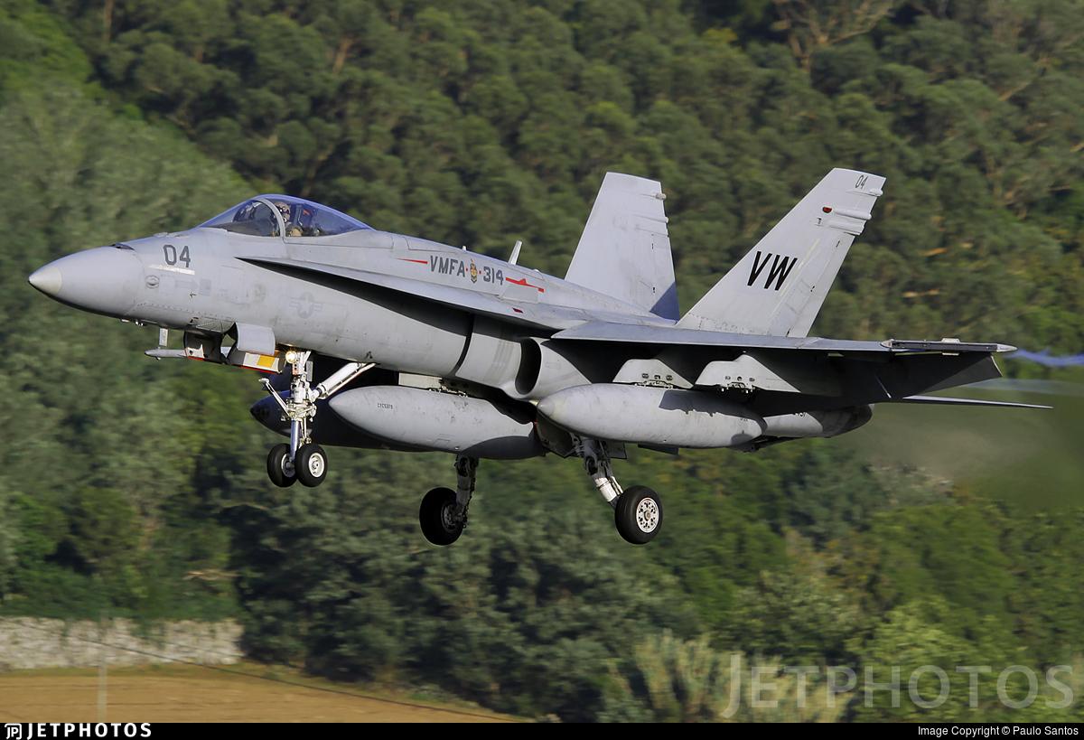 162451 - McDonnell Douglas F-18A Hornet - United States - US Marine Corps (USMC)