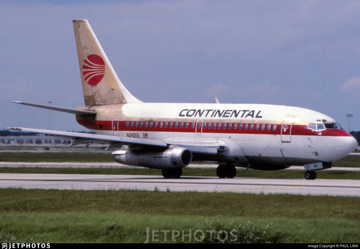 N24213 - Boeing 737-130 - Continental Airlines