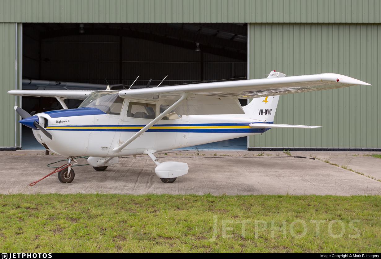 VH-DWY - Cessna 172M Skyhawk II - Private