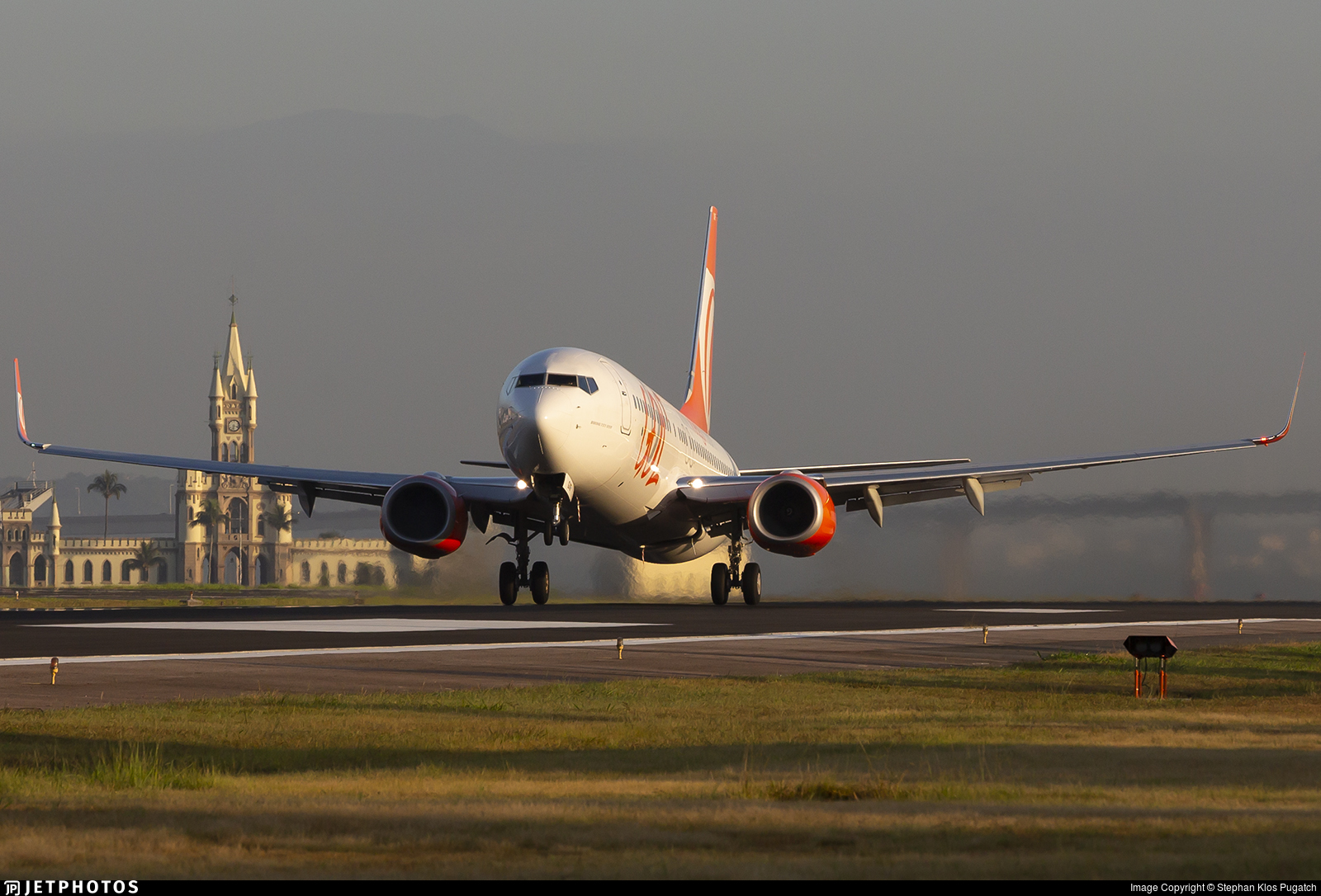 PR-GXF - Boeing 737-8EH - GOL Linhas Aereas