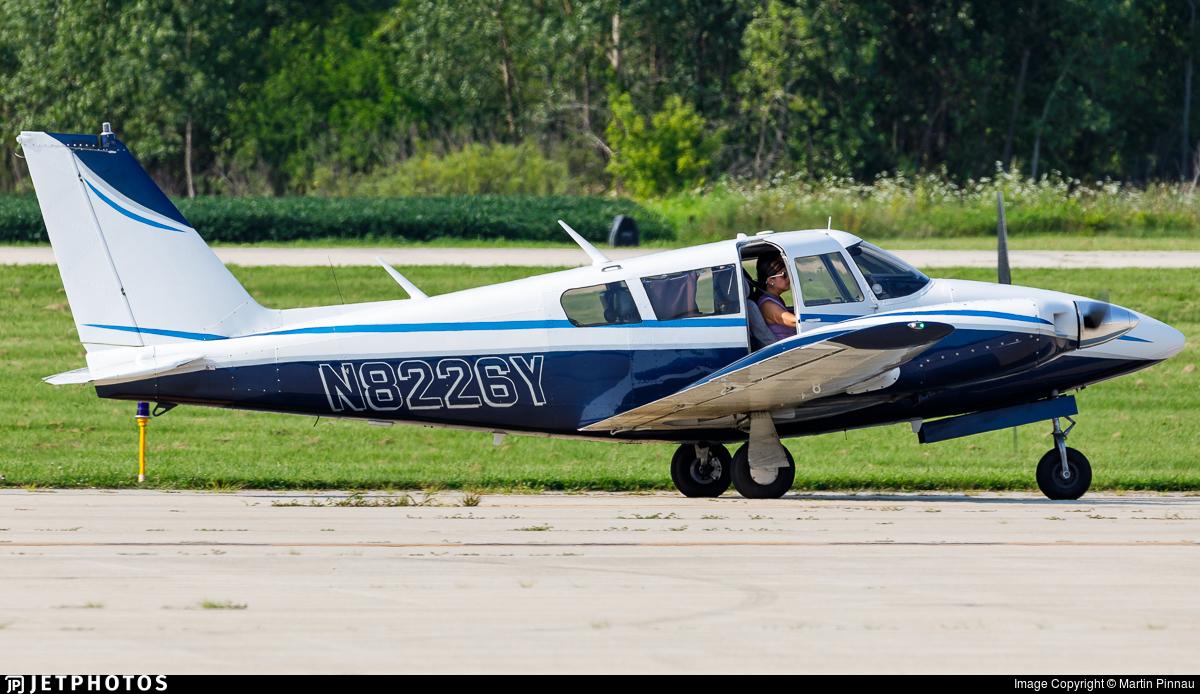 N8226Y - Piper PA-30-160 Twin Comanche B - Private