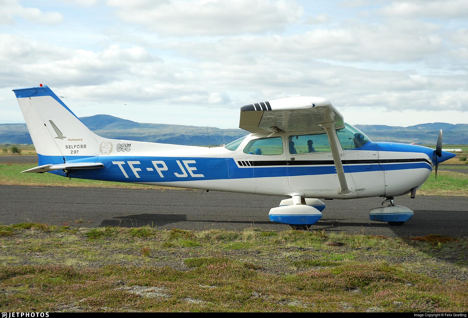 TF-PJE - Cessna 172M Skyhawk II - Private