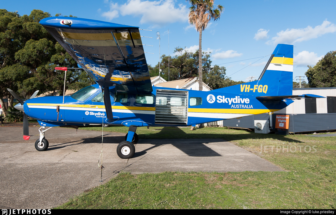 VH-FGQ - Cessna 208 Caravan - Skydive Australia